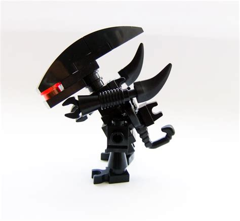 your own strike a pose haz tu propio strike a youtube alien movies custom made lego gieger minifig