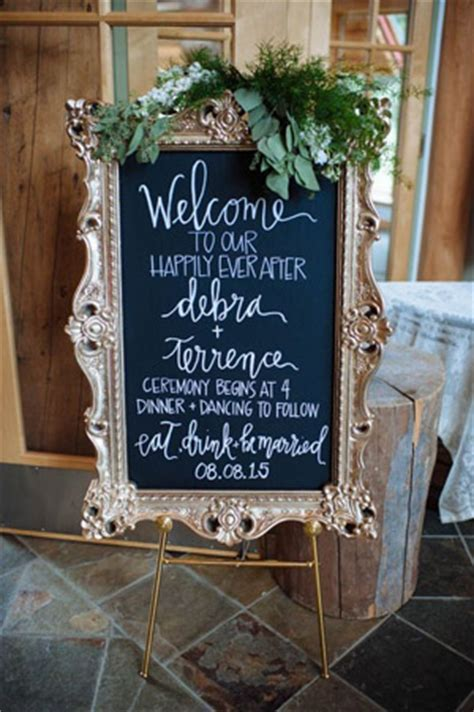 25 Wedding Signs Ideas to Make Your Wedding Super Cool and