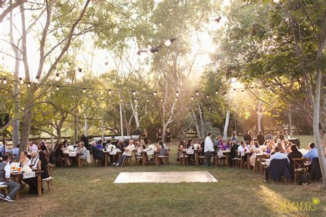 rancho santa fe estate wedding with claire and guy a chic wedding celebration at the sanctuary estate venuelust