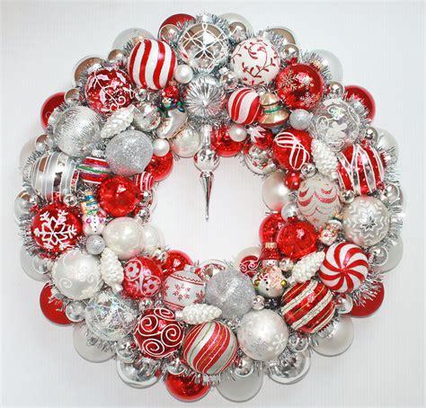 christmas ornament wreath snowman
