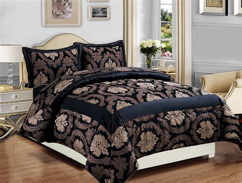 quilted bed sets quilted bed sets coras cathedral garden cotton quilt set