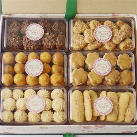Kaastengels Medium Kue Kering Lebaran Bisou Premium Cookies spekkoekhuis her consists of premium cookies is such an exclusive gift to someone special on