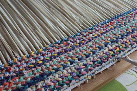 how to make a woven rag rug rag rugs 1 runquiltknitwrite