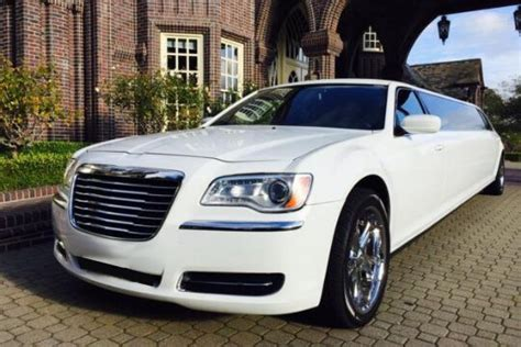 Chrysler 300 For Rent chrysler 300 limo rentals best limos cheap prices