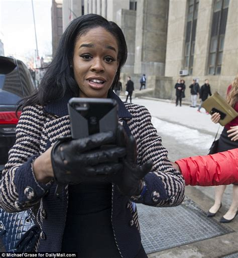 Banks Herself azealia banks lashes out at photographers as she leaves