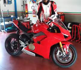 V4 Motorcycle Price Ducati Panigale V4 Spotted In Photo Asphalt Rubber