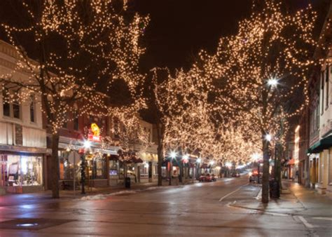 Downtown Naperville Gift Cards - downtown naperville lights up downtown naperville downtown naperville