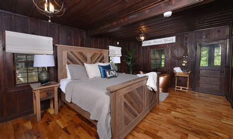 11 Bedroom Cabins In Gatlinburg by Riverfront Gatlinburg Cabins On The River