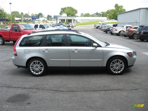silver metallic 2005 volvo v50 t5 exterior photo 52237159 gtcarlot