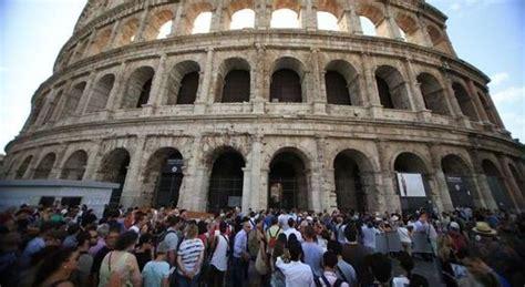 ingresso colosseo e fori imperiali colosseo e fori imperiali chiusi per assemblea esplode la