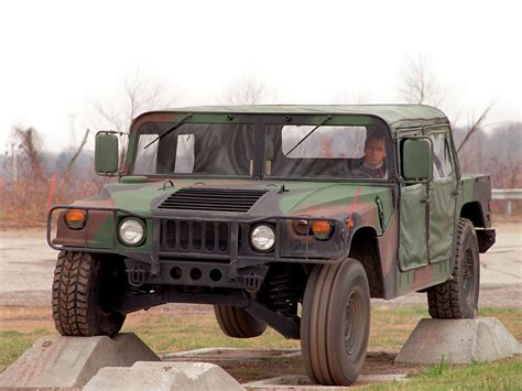 military hummer wallpaper 1984 hmmwv m1025 wallpaper wallpaper wide hd