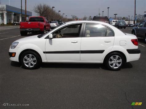 2009 Kia Lx Clear White 2009 Kia Lx Sedan Exterior Photo 46907873