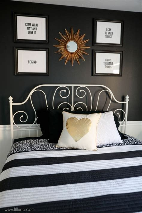 Black White Gold Bedroom Ideas by Best 25 Black White Bedrooms Ideas On Black White Bedding In The White Room And