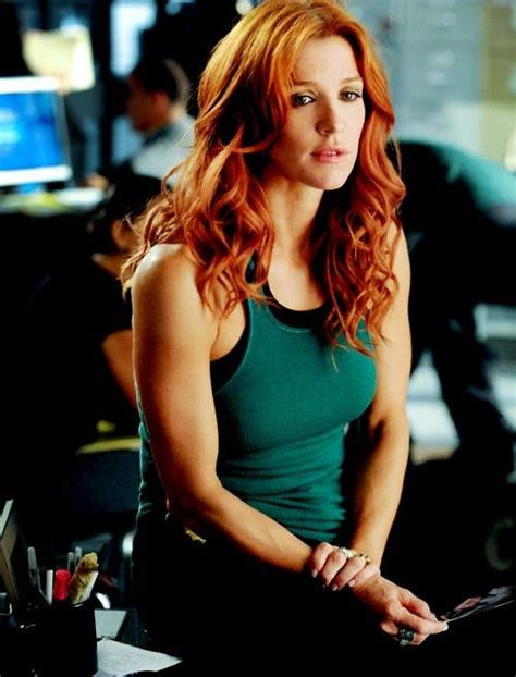 actress with red hair in tv show tv show unforgettable pictures hot100 poppy montgomery
