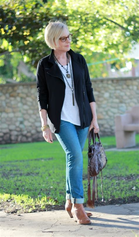 french style for women over 40 french chic une femme d un certain age casual wear for