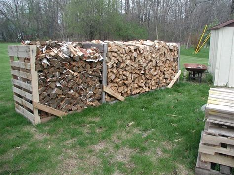 chauffage hangar stacking firewood ideas search id 233 es d 233 co pour