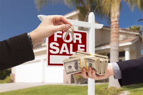 how do real estate agents get paid sell realtor