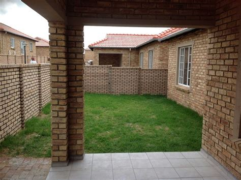 2 bedroom house to rent in pretoria stylish 2 bedroom flat to rent in pretoria 51 for cheap 2