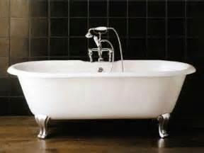 baignoire ilot en fonte sur pieds draycott