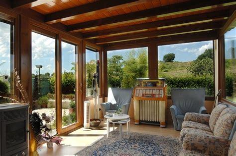 balcone chiuso a veranda verande in legno a lucca e toscana la pergola s r l