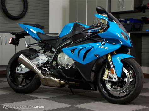2012 BMW S1000RR Superbike Smackdown Track Photos