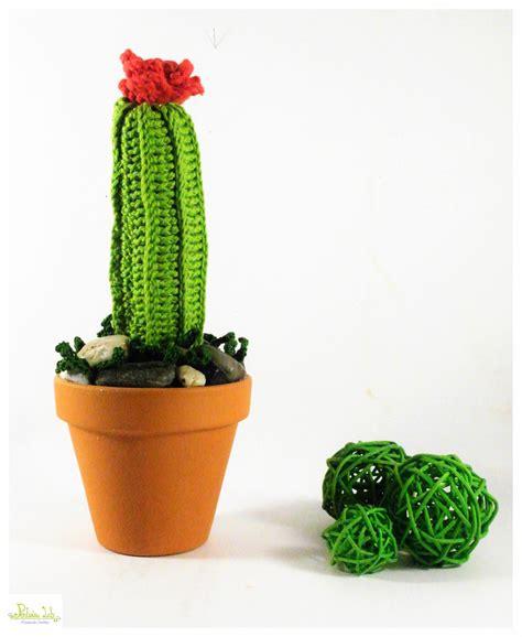pianta grassa con fiore rosso cactus pianta grassa ad uncinetto con fiore rosso e vaso