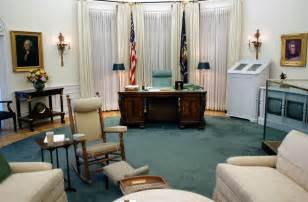 the oval office exhibit in the lbj library is a 7 8th