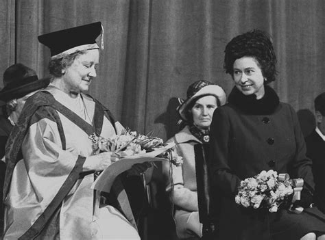 queen elizabeth song 1973 presenting the queen mother with a music doctorate
