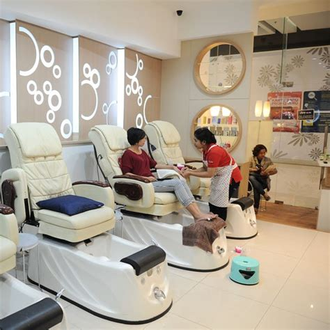 gateway hotel beauty salon mani pedi w nail color valid upto kimi nail spa and treatment what s new jakarta