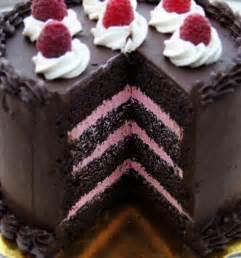 Chocolate raspberry cake c est la vegan