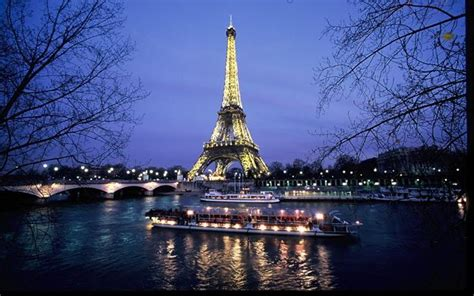 bateau mouche river cruise paris skip the line seine river day evening cruise