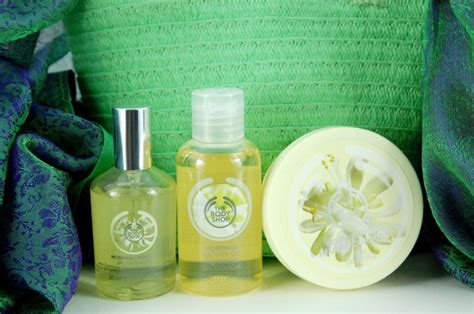 Parfum Moringa The Shop the shop moringa shower spritz and moisture set
