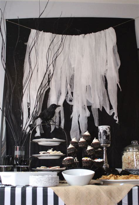 black and white decorations 25 cool black and white decorations ideas magment