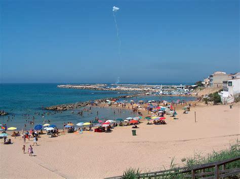 vacanze scoglitti per le vacanze attivit 224 in spiaggia a scoglitti
