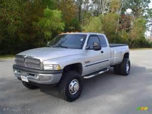 2001 bright silver metallic dodge ram 3500 slt cab