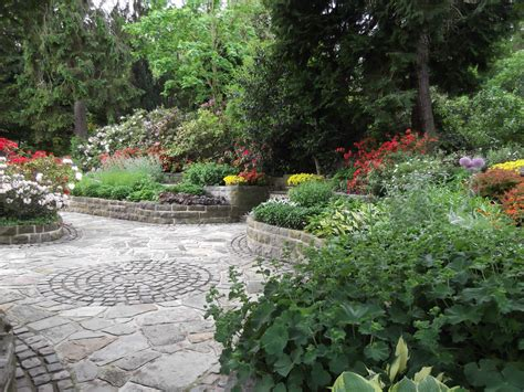paved garden design ideas garden paving designs ideas