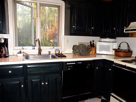 black beadboard kitchen cabinets linda s kitchen the backsplash linda merrill