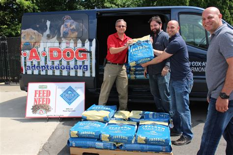 Pet Pantry Warehouse Greenwich by Feed The Need Pet Pantry Believes Shelter Dogs Should