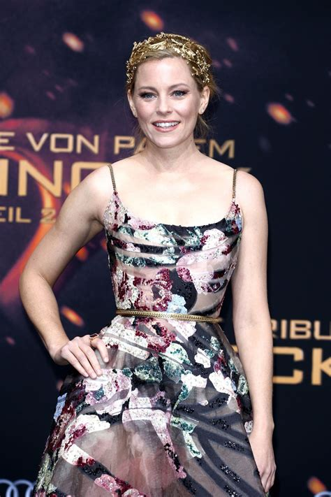 elizabeth banks mockingjay elizabeth banks at the hunger mockingjay part 2