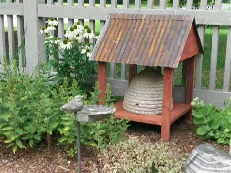 prim garden on pinterest bee skep birdhouses and 17 best images about primitive bee skep on pinterest