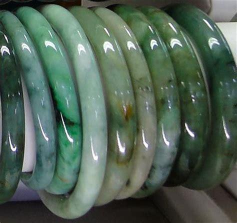 Jeadite Jade Type C Giok Birma most expensive jade jewelry photo green jade color