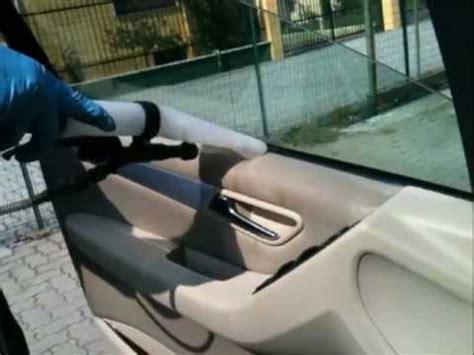 lava tappezzeria auto lavaggio interni igienizzante automobili