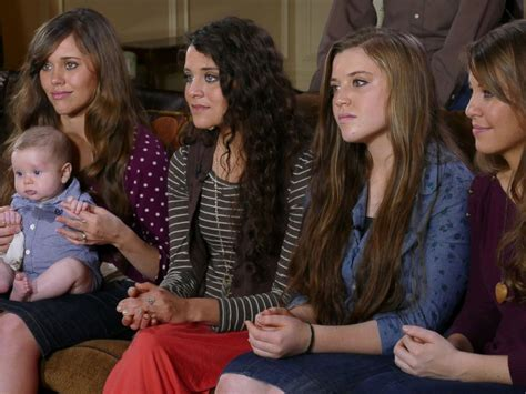 19 kids and counting family welcomes new member jessa duggar family moving on after josh duggar scandal abc news