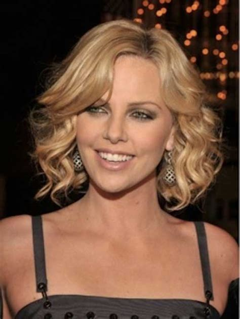 short hair with slight waves 10 wavy curls for short hair short hairstyles 2017