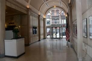 03 01 the flatiron building inside lobby new york