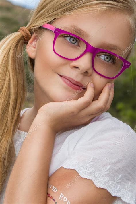 little blonde actor with glasses child actor blond hair glasses young beautiful child girl