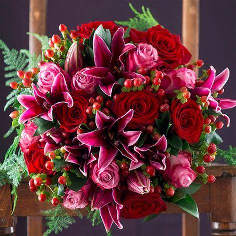 What Flowers Should I Buy My Wife/Girlfriend?