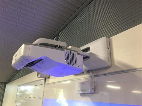 Projector Epson Eb 695wi new av installs in balwyn primary portable classrooms