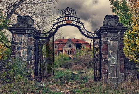 deserted places 5 beautiful and eerie abandoned places
