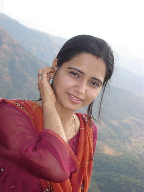 wallpaper girl hindi hd wallpaper hot indian girl hd wallpapers